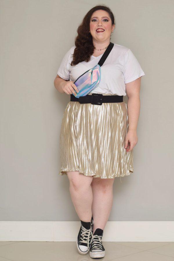 camiseta-plus-size-branca-basica-blossoms