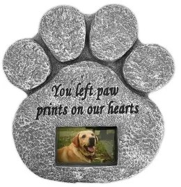 8 Pet Sympathy Gifts to Ease the Pain of a Dog or Cat's Death