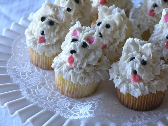 White scottie dog cupcake!