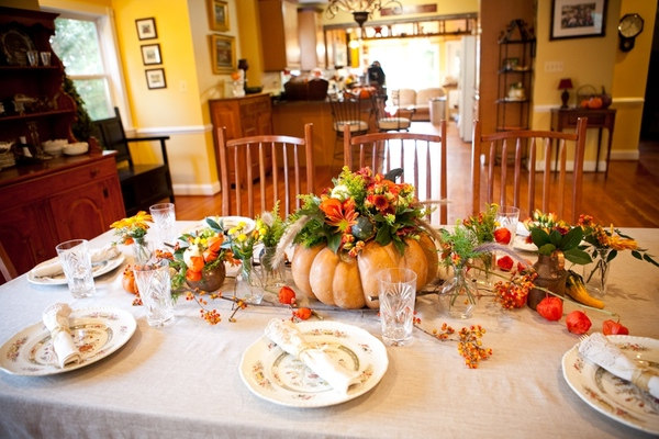 gorgeous floral pumpkin centerpiece for Thanksgiving