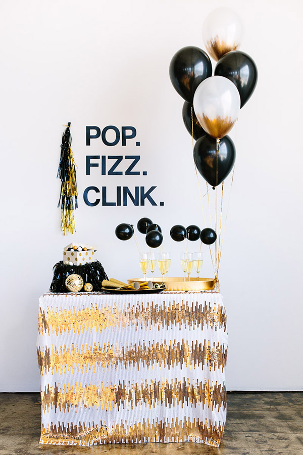 Black and gold Champagne bar