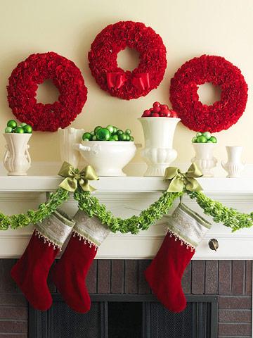 DIY Green and Red Christmas Mantel