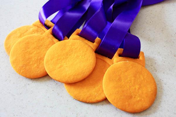 DIY Gold Medal Cookies!