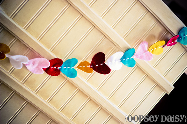 Darling felt heart garland!
