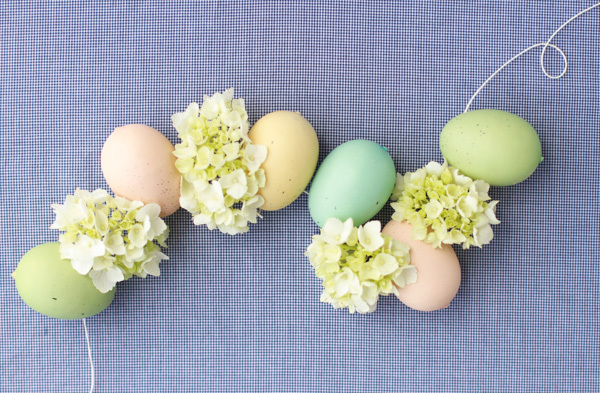 Look how cute this easter egg garland is!