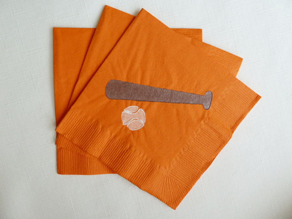 Cute baseball bat and ball napkins!