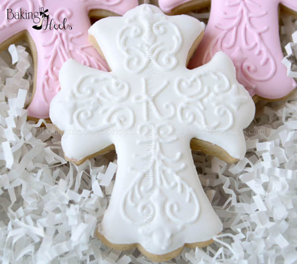 Love these Decorated Cross Cookies