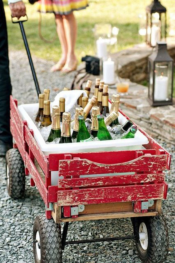 Wagon Drink Holder- Great ideas for Outdoor Parties!