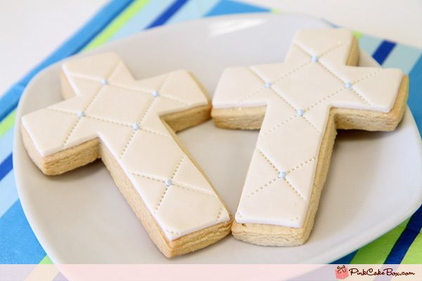 White tuffted Cross Cookies