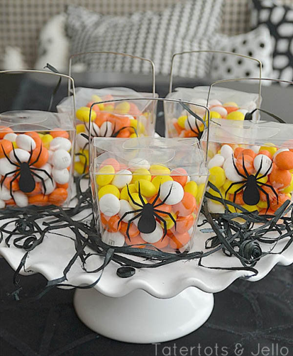 Amazing Spider Decorations For halloween!