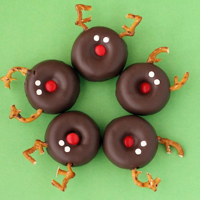 Easy DIy Reindeer DOughnuts