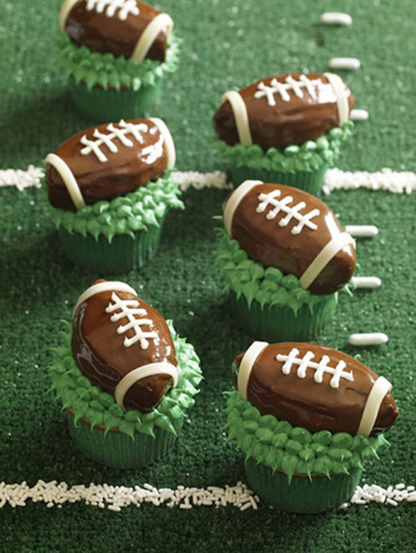 These Football Cupcakes Are too cute for words