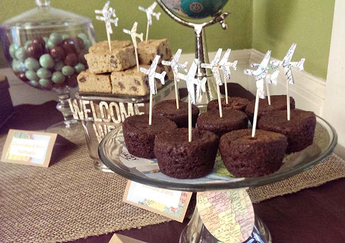 Travel baby shower brownie bites!