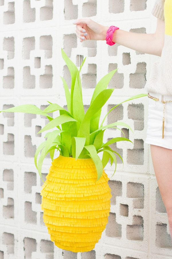 DIy Pineapple Pinata!