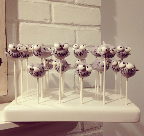 We cant get over the cuteness of these cake pops!