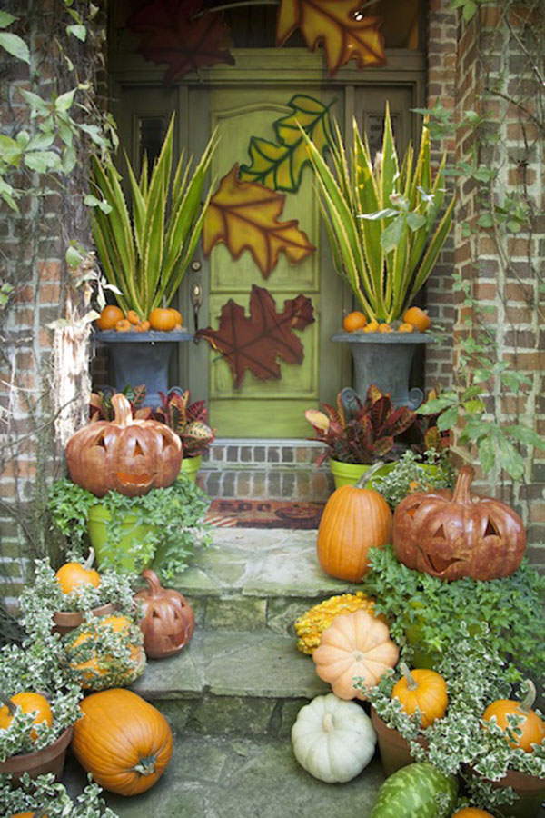 Amazing Earthy & Green Fall Porch decoration