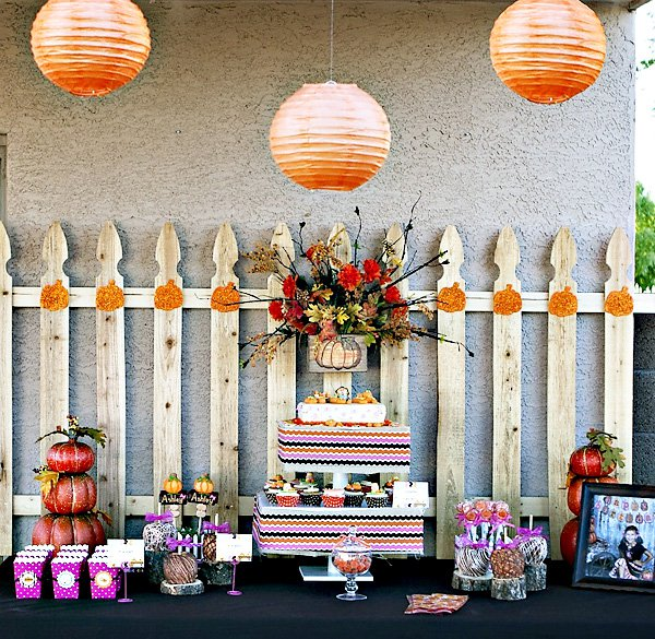 Fun Pumpkin Party Table!