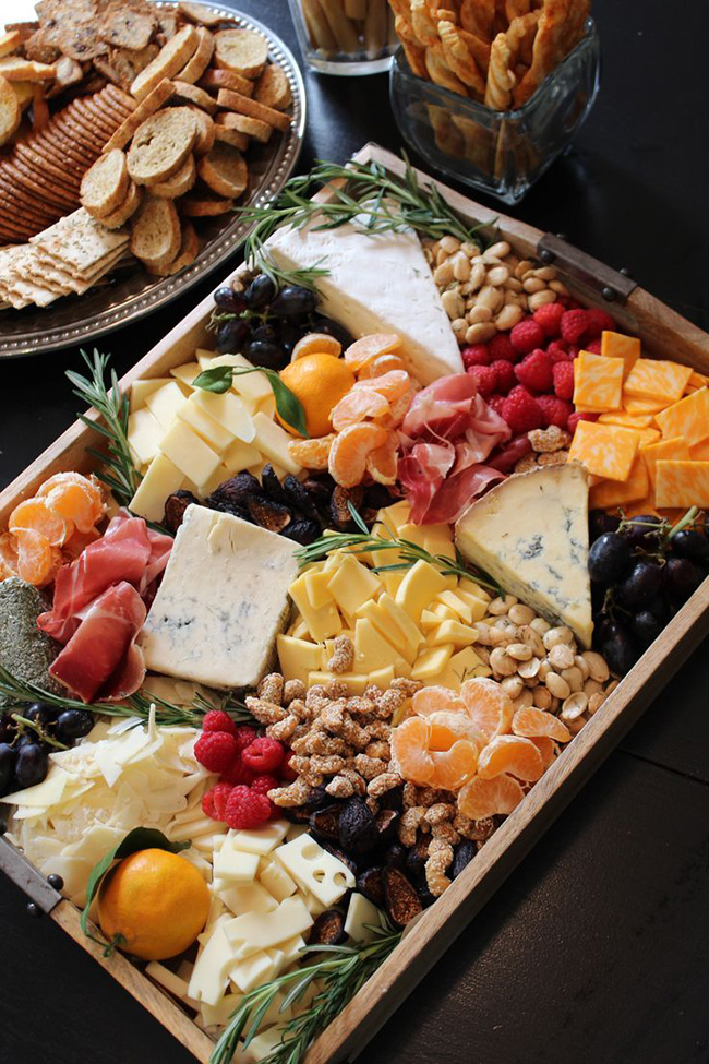 Amazing Fall Rustic Cheese Tray perfect for Thanksgiving!