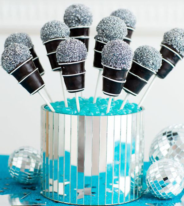 Microphone cake pops for A Grammys Party!