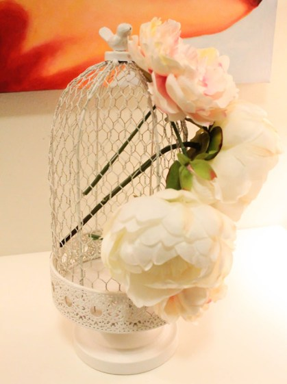 DIY Birdcage Cenerpiece- Get the how to on B. Lovely Events