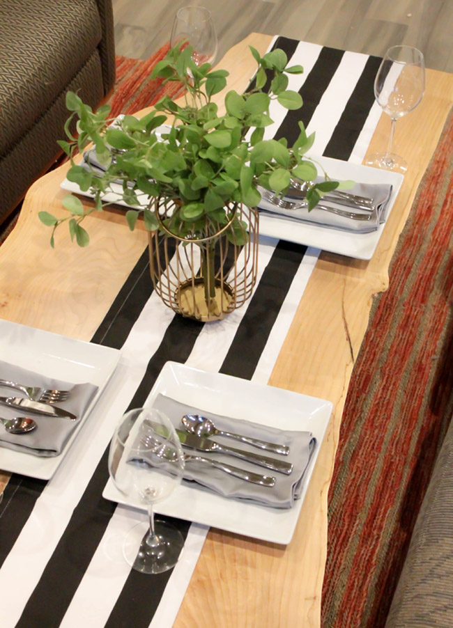 DIY Plant Centerpiece With Eucalyptus (1) -Learn How To Make Them On B. Lovely Events
