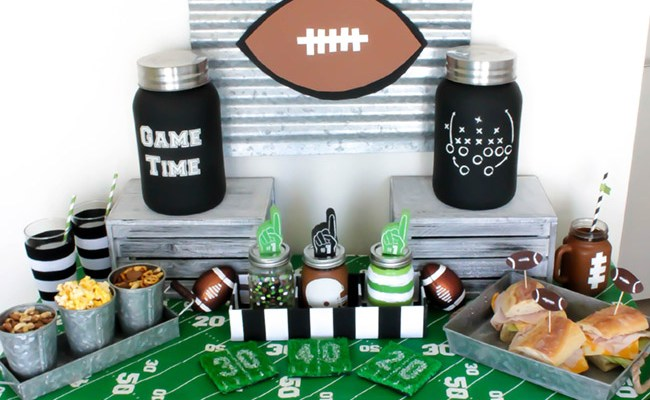 Easy DIY's For A Fun Football Tailgate Party!