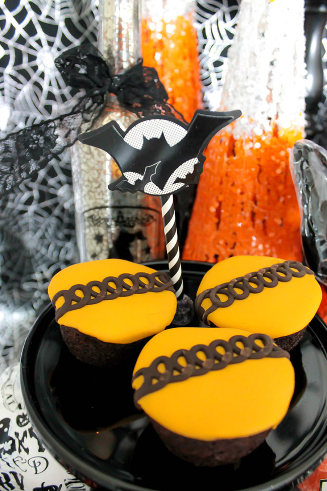 Spooktacular Halloween Party Ideas and desserts- B. Lovely Events