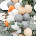 Balloon garland centerpiece. Love this! - See why they are our new obsession on B. Lovely Events