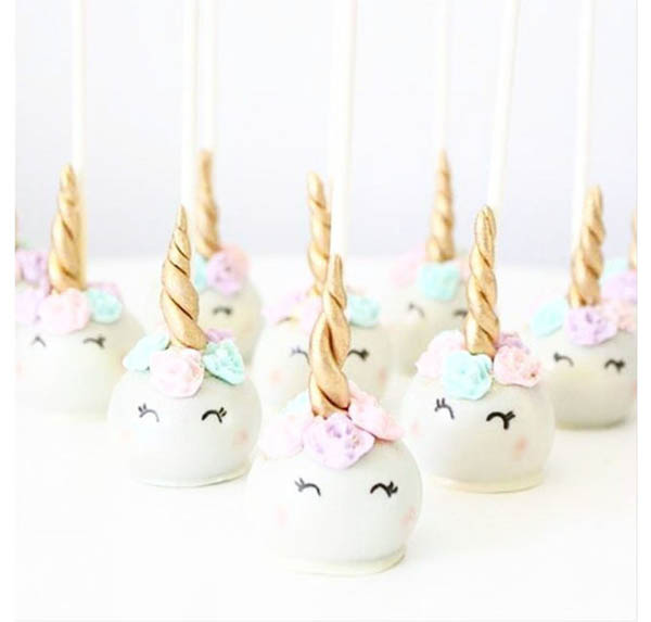 Unicorn Cake Pops- SO cute!- See more lovely Unicorn Party Ideas on B. lovely Events