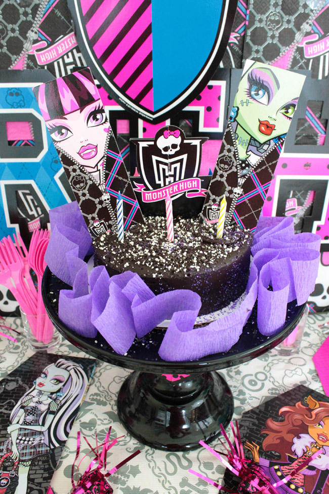 Monster High Birthday Party Cake- See more cute party details on B. Lovely Events
