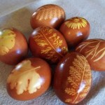 Love these natural dyed easter eggs- See more Natural Ideas on B. Lovely Events
