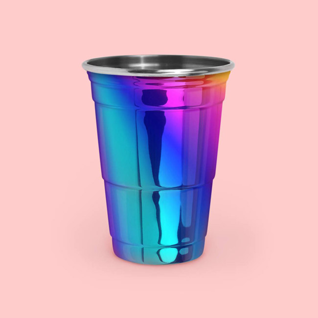 Iridescent Party cups so cute! - See more iridescent hologram party ideas on B. Lovely Events