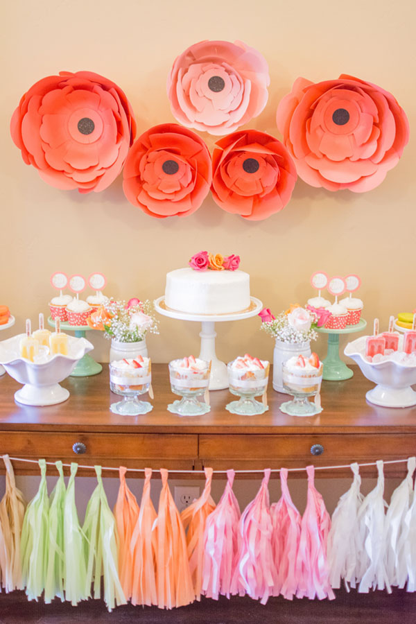 It's a Girl Baby shower floral pink!