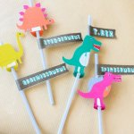 We are GAGA for these Dinosaur party straws!