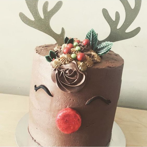 the cutest reindeer cake - See more of our new obsession on B. Lovely Events!