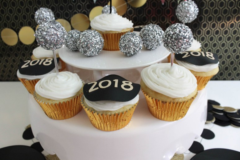 New Year's Eve Cupcakes -(B. Lovely Events