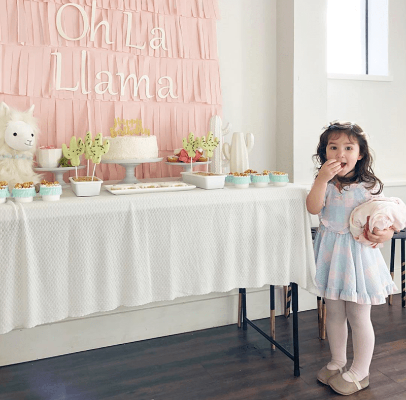 oh la llama party that is too cute! - See more llama party love on B. Lovely Events