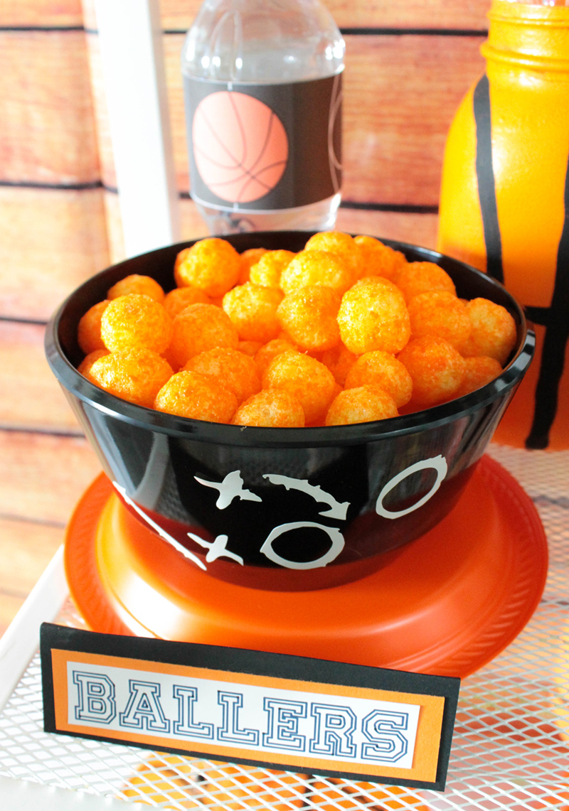 Love these fun cheese ballers fro a basketball party #basketball #basketballparty #kidsparty