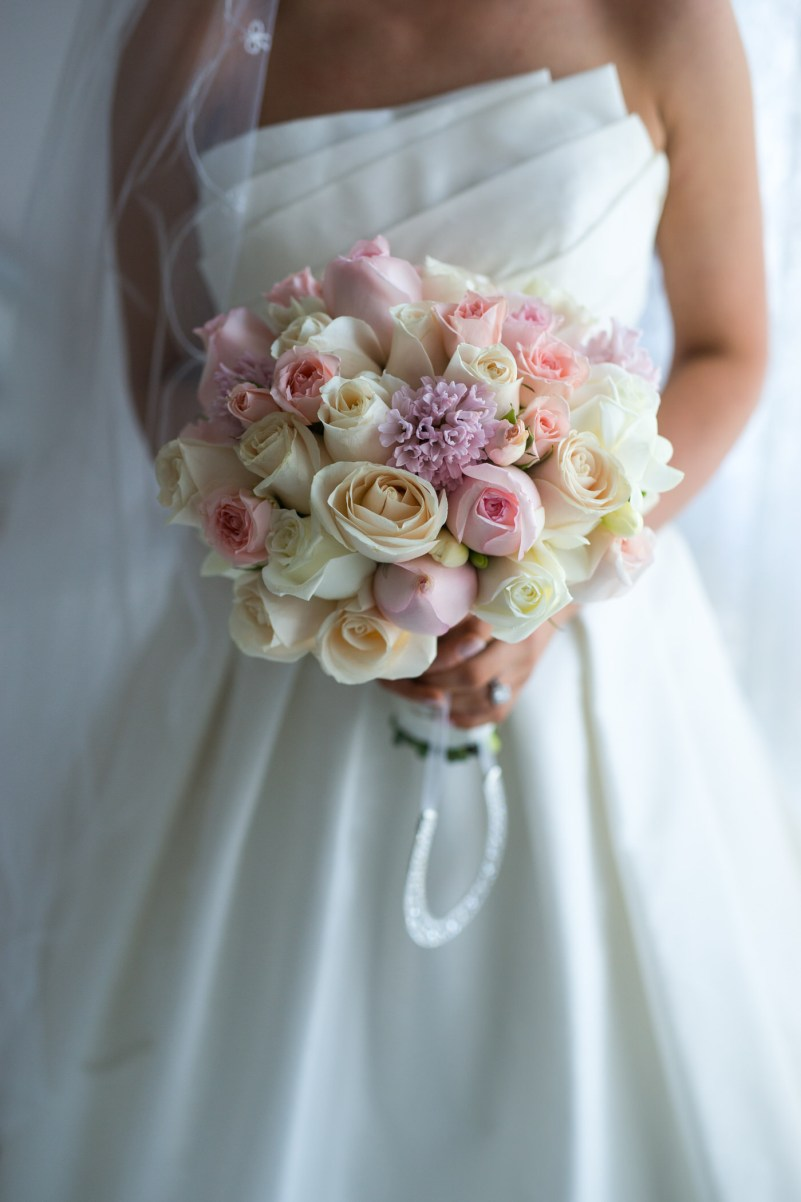 Rose Wedding bouquet - See the details on B. Lovely Events