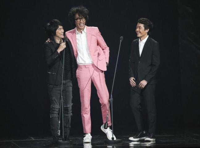 第28屆金曲獎頒獎典禮,馬念先感謝這身西裝讓他在一片漆黑中綻放光芒