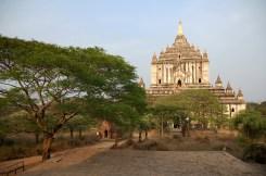 Thatbyinnyu temple, Bagan