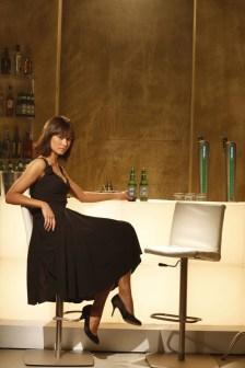"""Olga Kurylenko en """"Quantum of Solas"""" con vestido confeccionado por Miuccia Prada."""