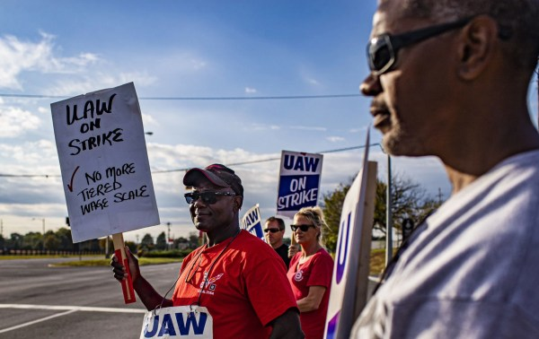 Report: GM, UAW reach deal