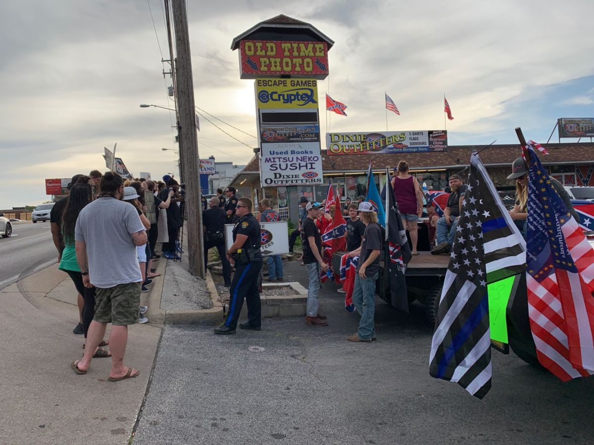 For Second Week Protesters Target Branson Confederate Themed Business News Free Bransontrilakesnews Com