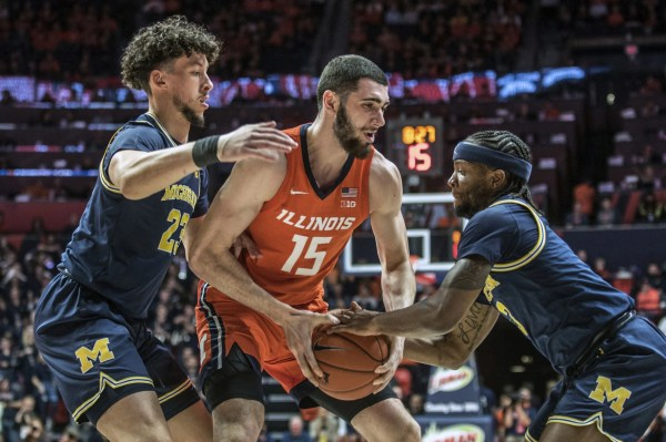 Illinois basketball shows lessons learned from late-game collapse in win over No. 5 Michigan