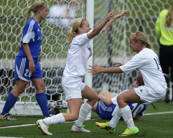 WIAA State Girls Soccer Two More Goals From Jen Brien Power Oregon To Division 2 State Title