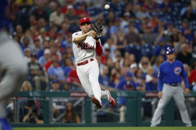J T  Realmuto powers Phillies past Cubs