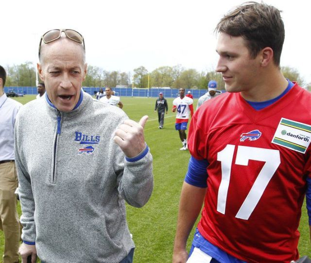 Josh Allen Thrown For Loss Of Words At Meeting Jim Kelly
