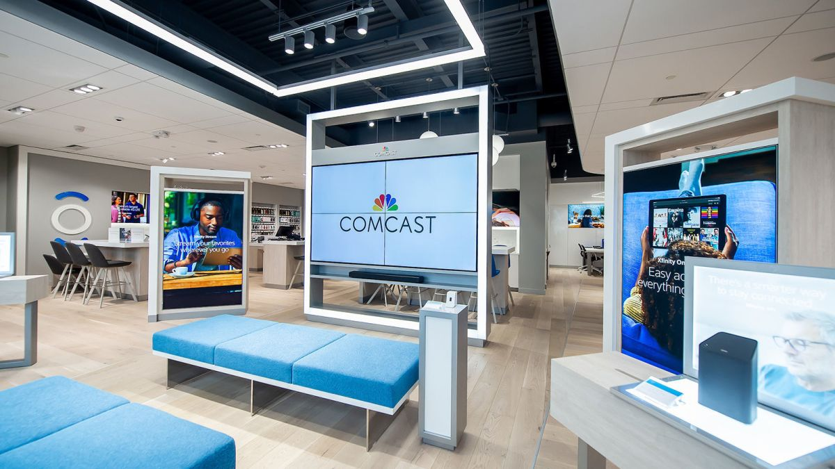 Comcast To Open New Normal Store Business Pantagraph Com