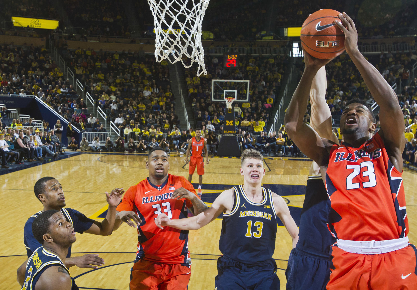 Image result for illinois michigan basketball